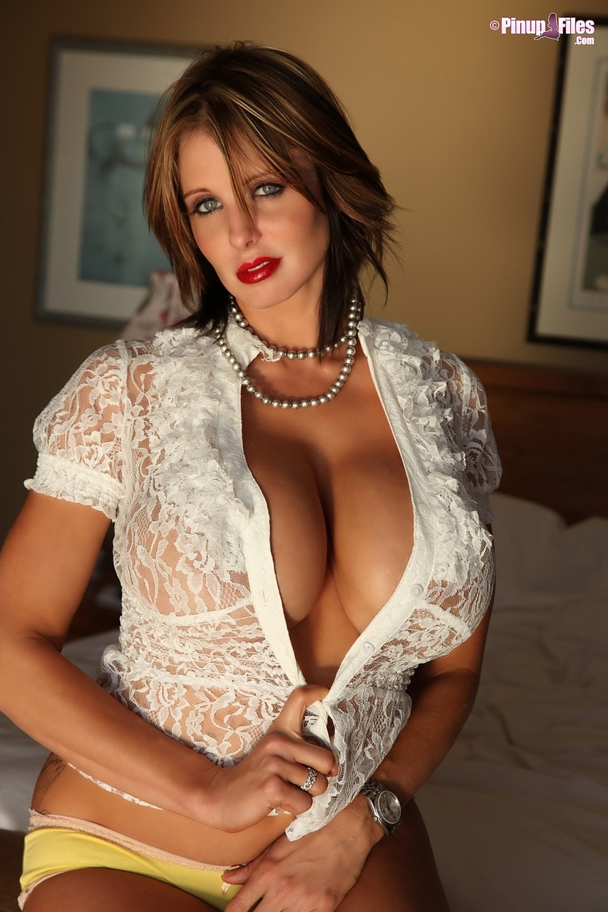 Brandy Robbins Busty Sultry Babe in Lacy Top