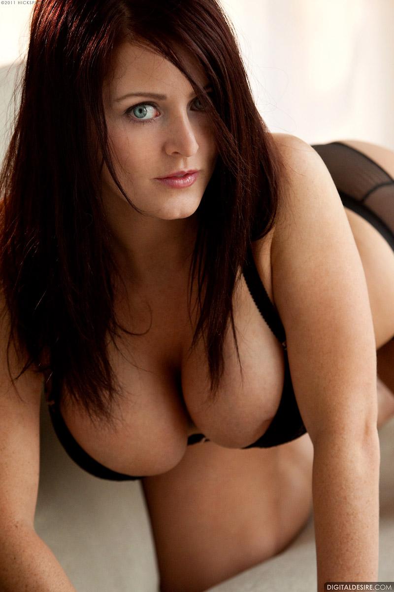 Sophie Dee Big Boobed Welsh Pornstar In Lingerie