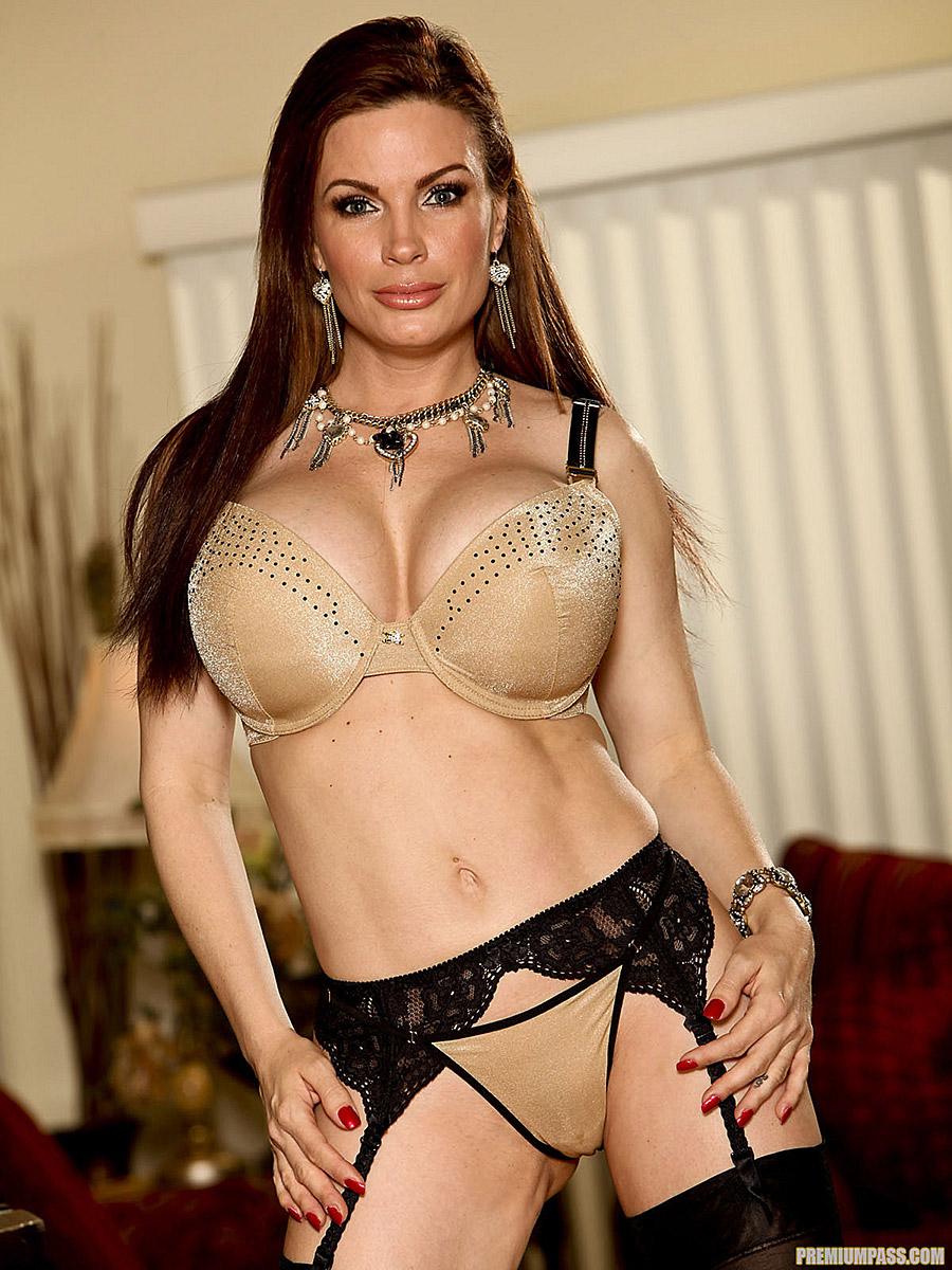 Busty Milf Porn Gallery diamond foxxx busty milf pops off gold bra