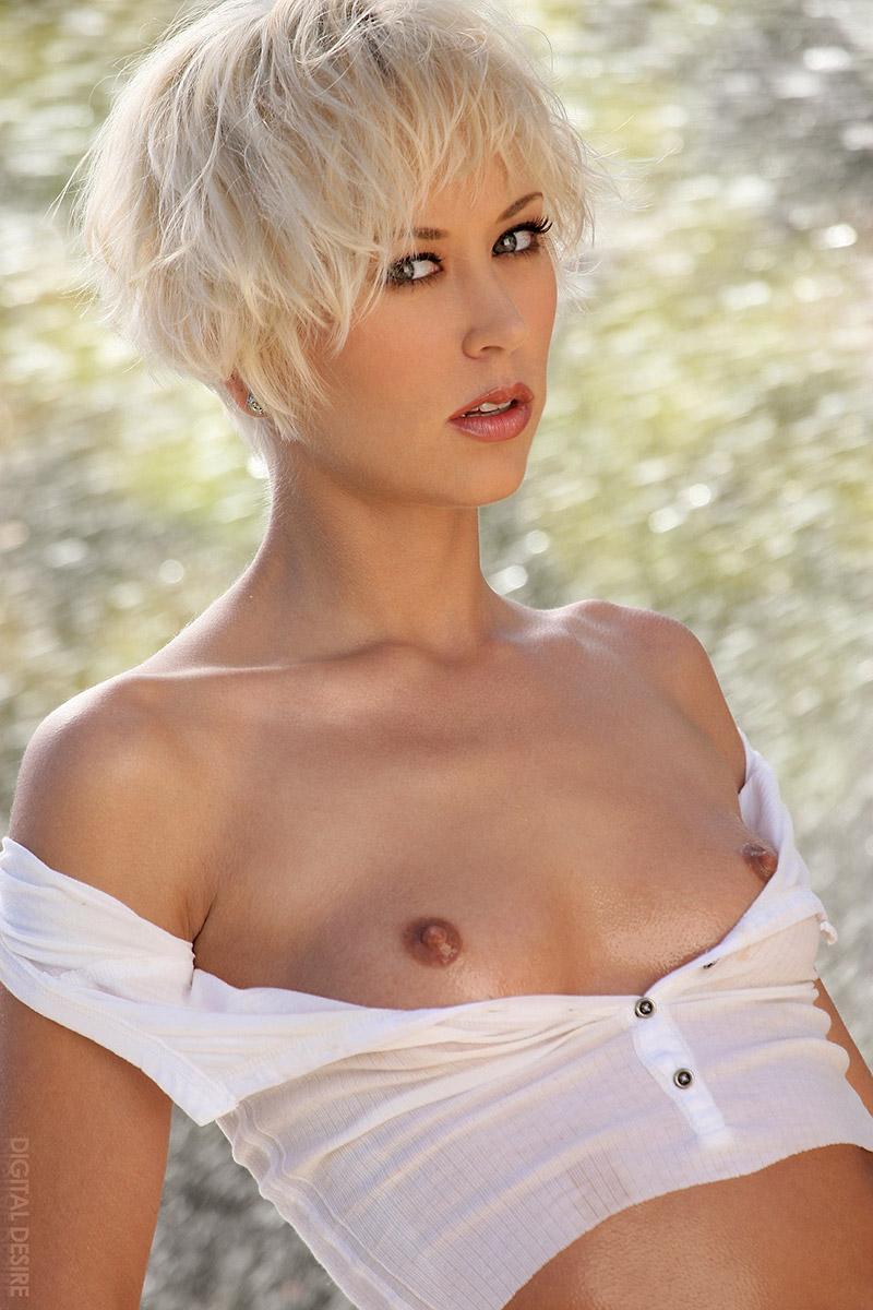 Kelly Brook Nude Sexy