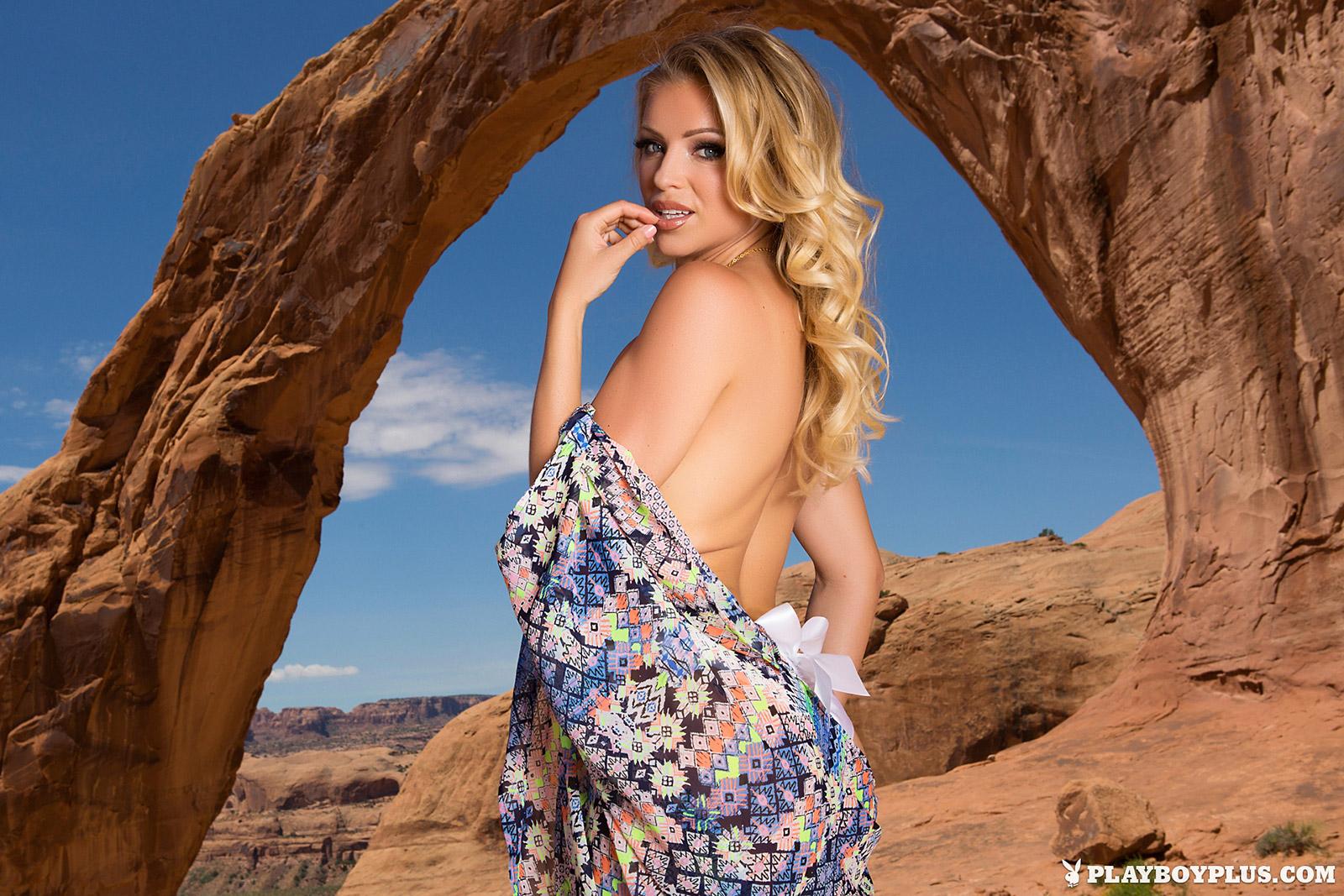 Blanca Brooke Hot Czech Model Nearly Naked In The Utah Desert-7466