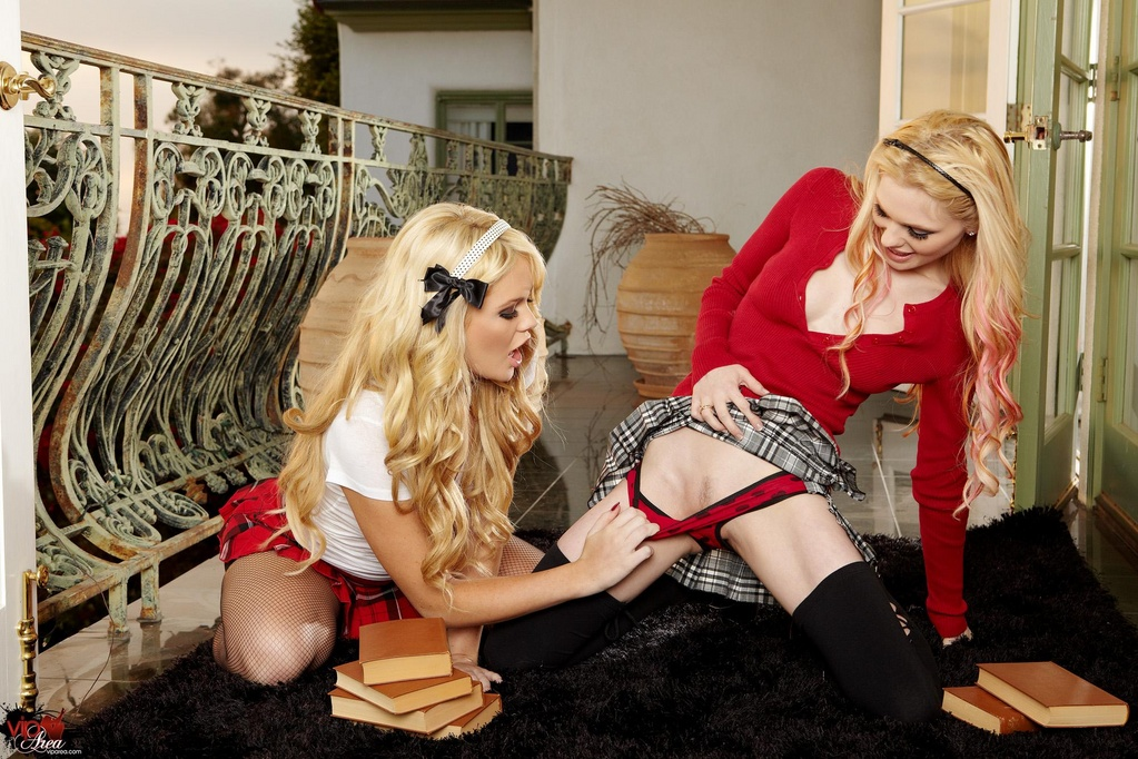 Alexis Ford and Jayme Langford Naughty Coeds
