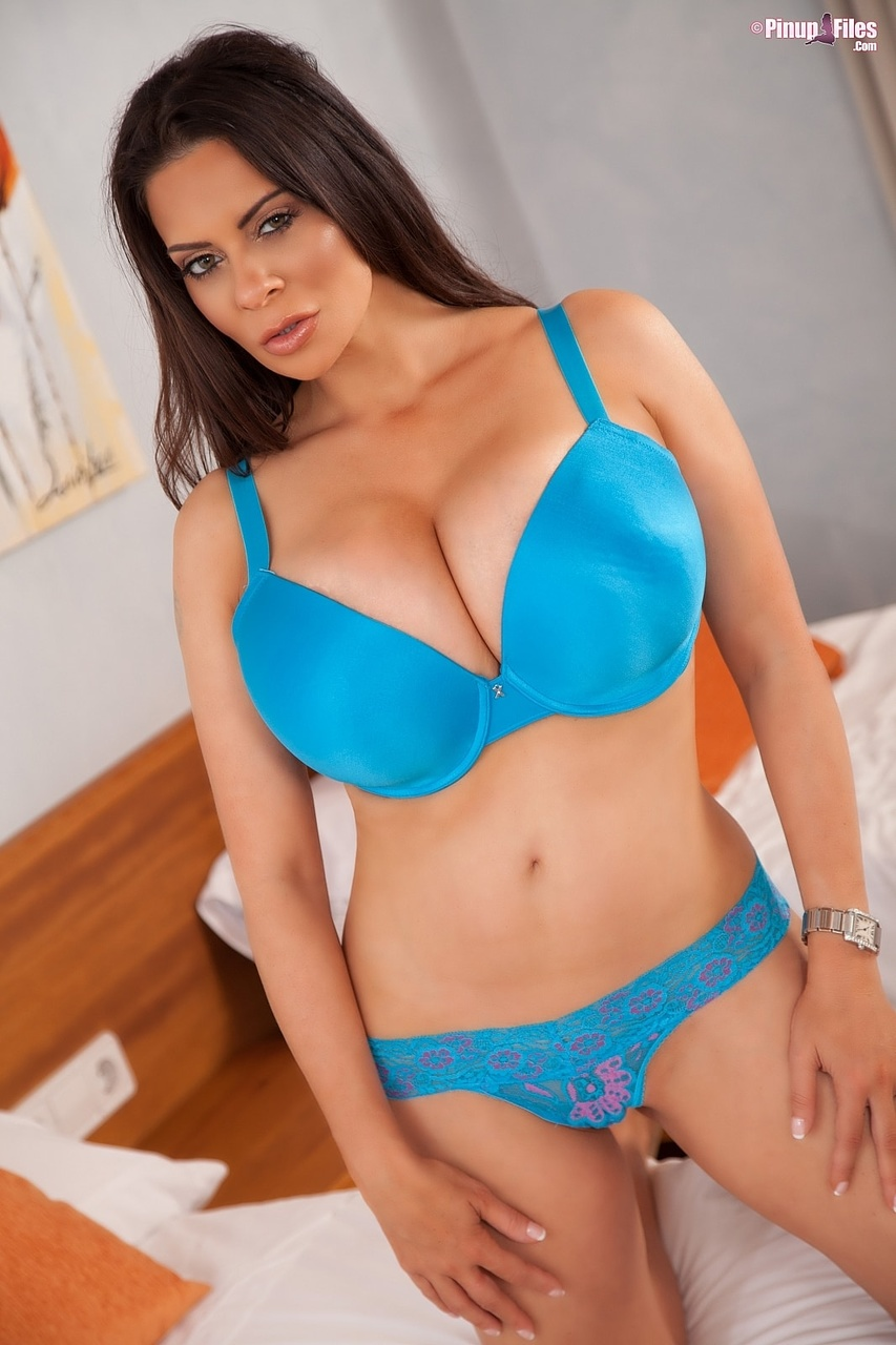 Linsey Dawn Busty Bedroom Seductress
