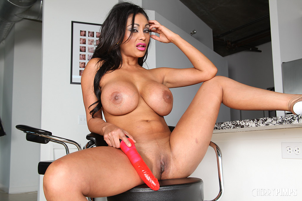 Big Tits Pornstar Solo Hd
