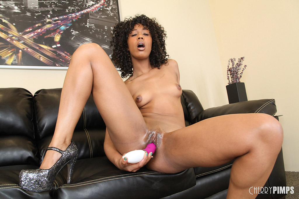 Misty Stone Works Thin Body with Fat Pink Vibrator