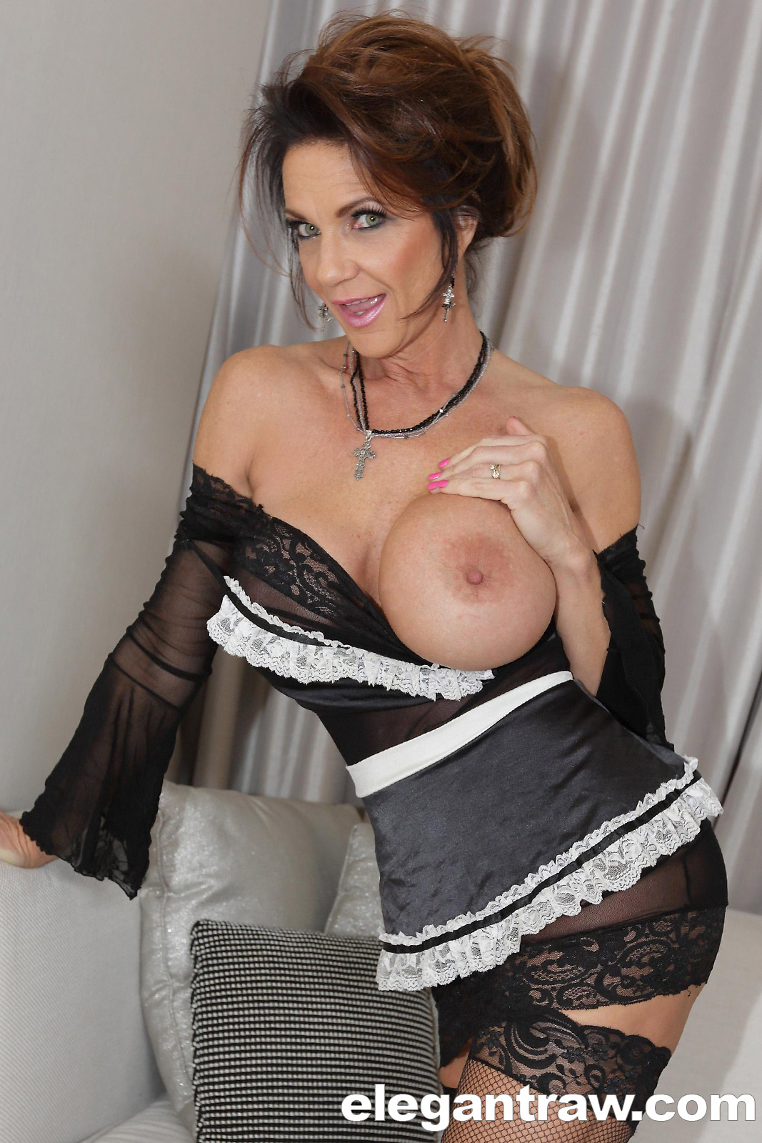 Milf porn pics with deauxma
