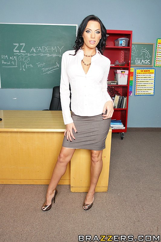 Juelz Ventura is a Strict and Sexy Teacher