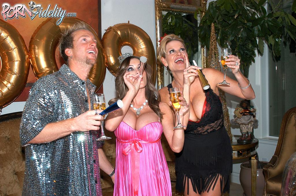 Jenna Presley Has New Years Eve Threesome