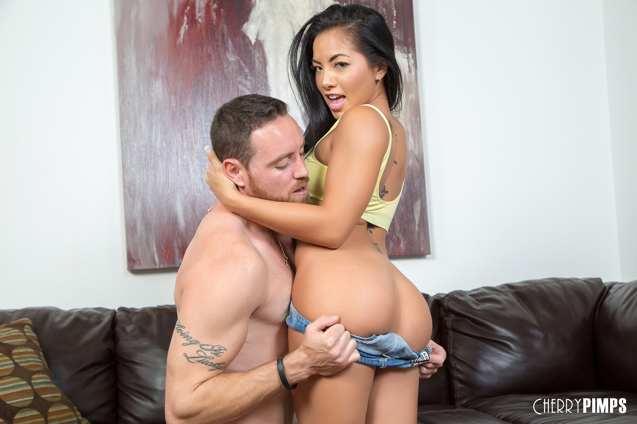 Morgan Lee Drops to Her Knees to Give Blowjob
