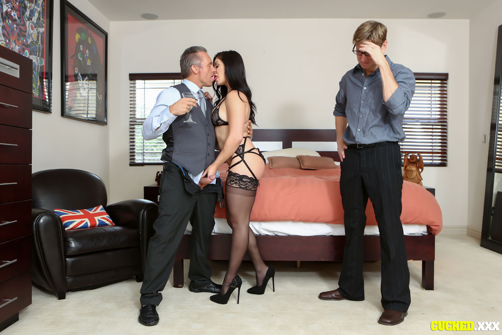 Lea Lexis Tortures Her Husband with New Dick