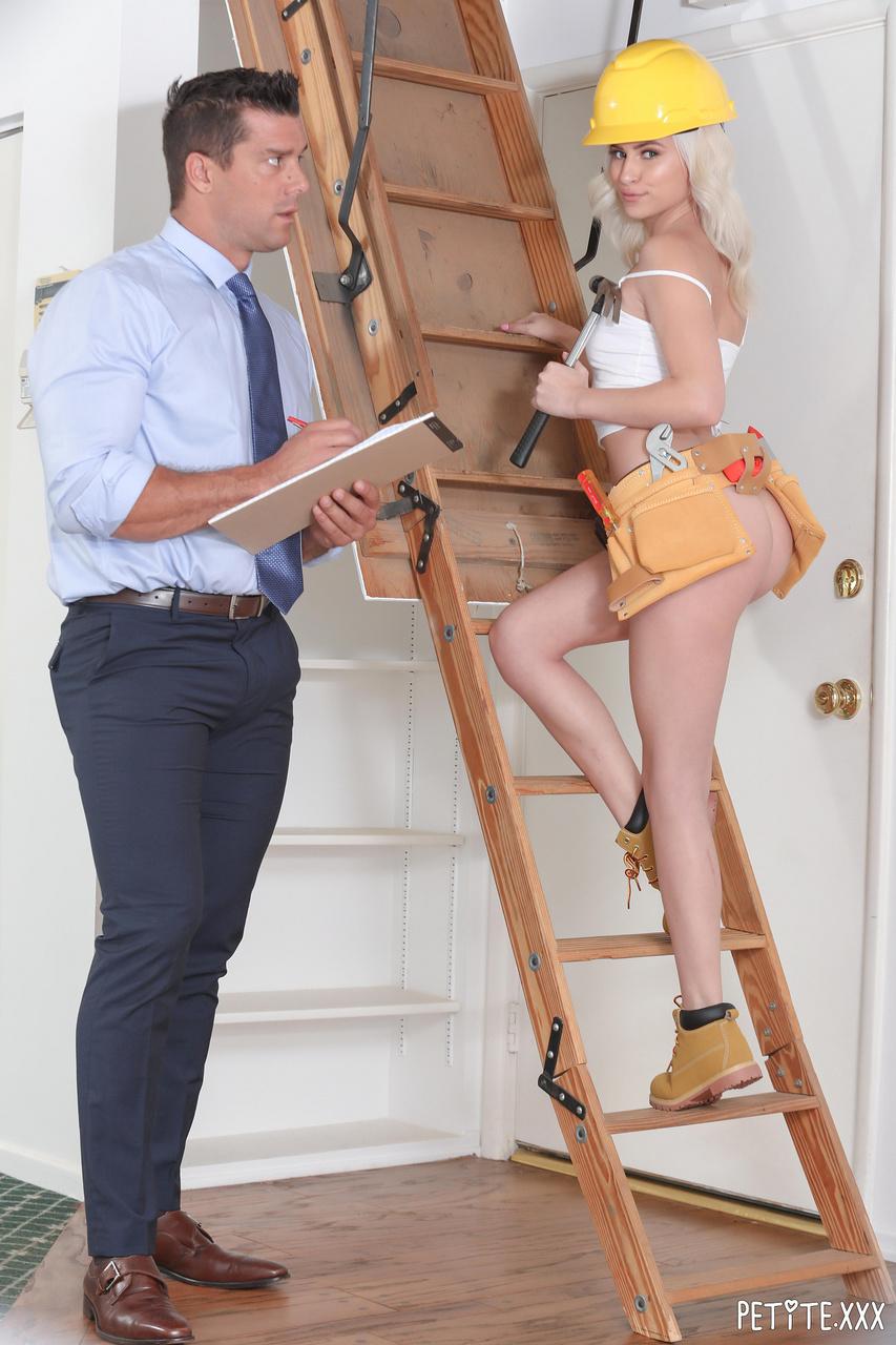 Kiara Cole Petite and Naughty at Work