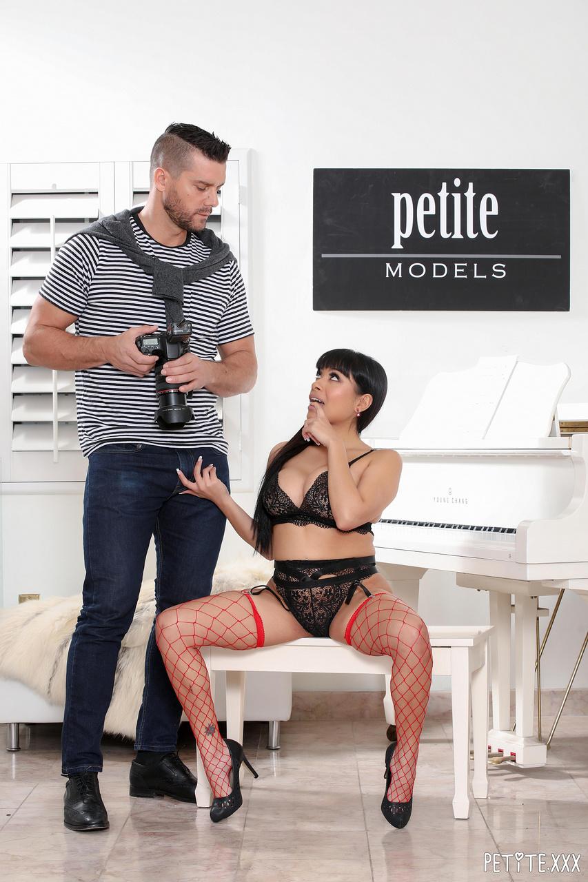 Aryana Amatista Petite Latina Gets Pussy Pounded