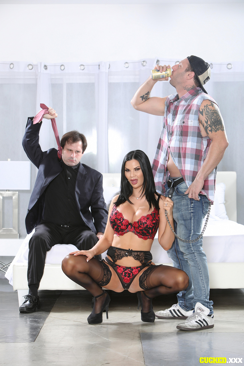 Jasmine Jae Finds a Real Man to Satisfy